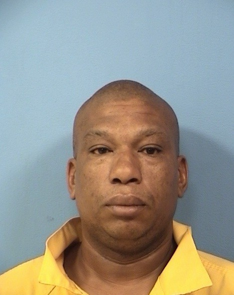 Man gets 31 years for shooting wife in wrist in oakbrook for Use terrace in a sentence