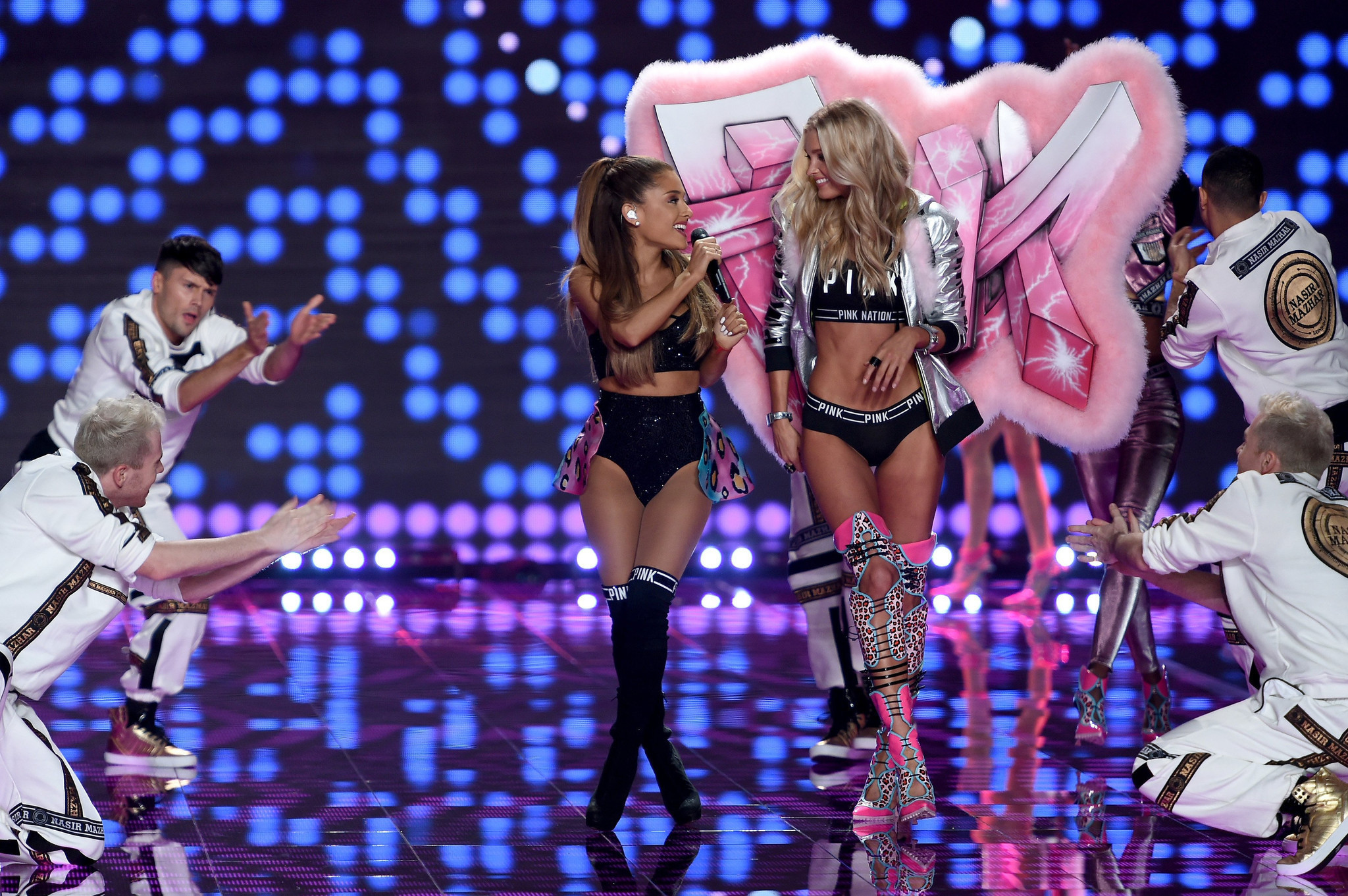 Ariana Grande Victoria Secret Fashion Show Ariana Grande gets smacked in