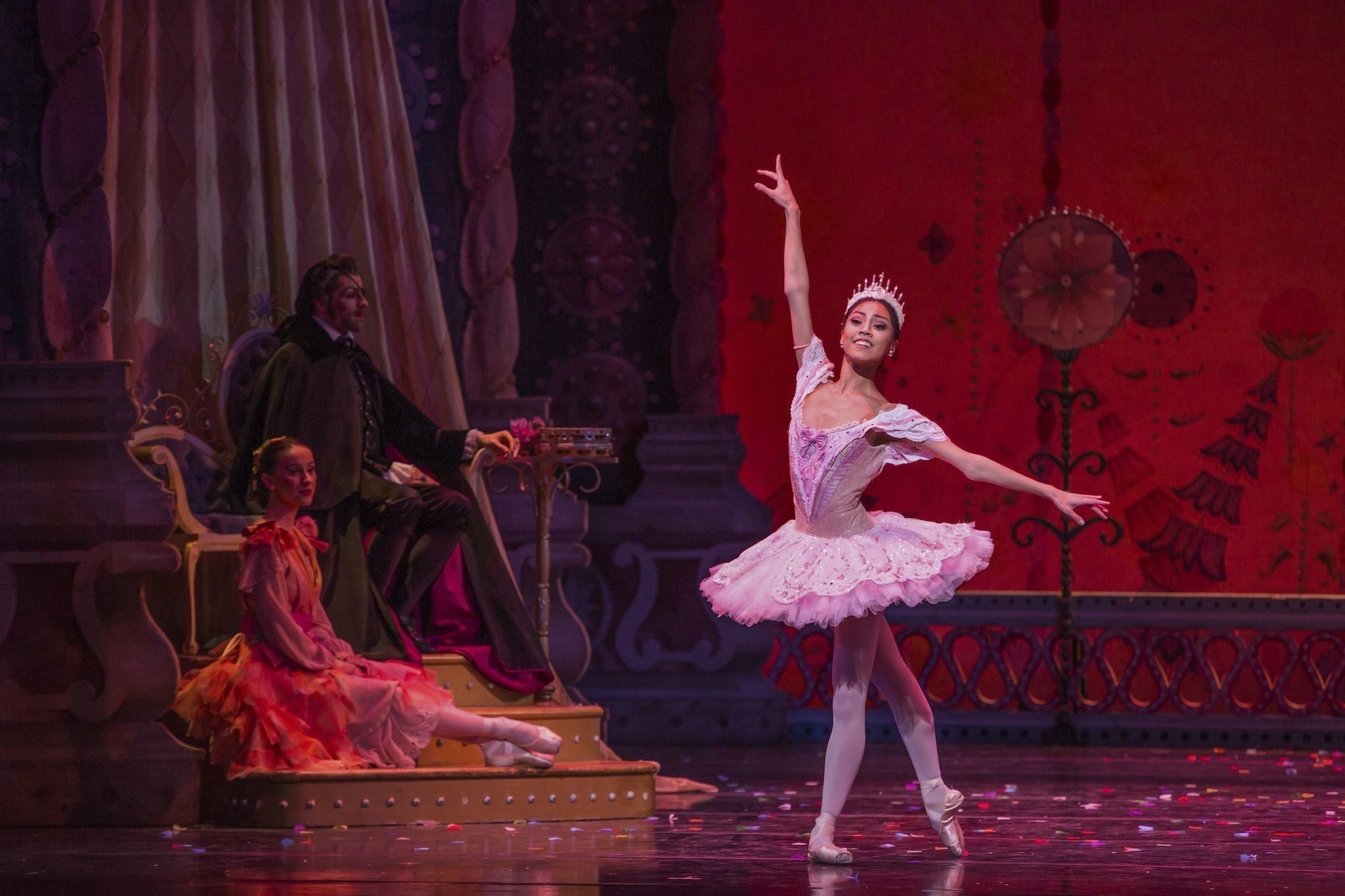 Joffrey ballet nutcracker reviews
