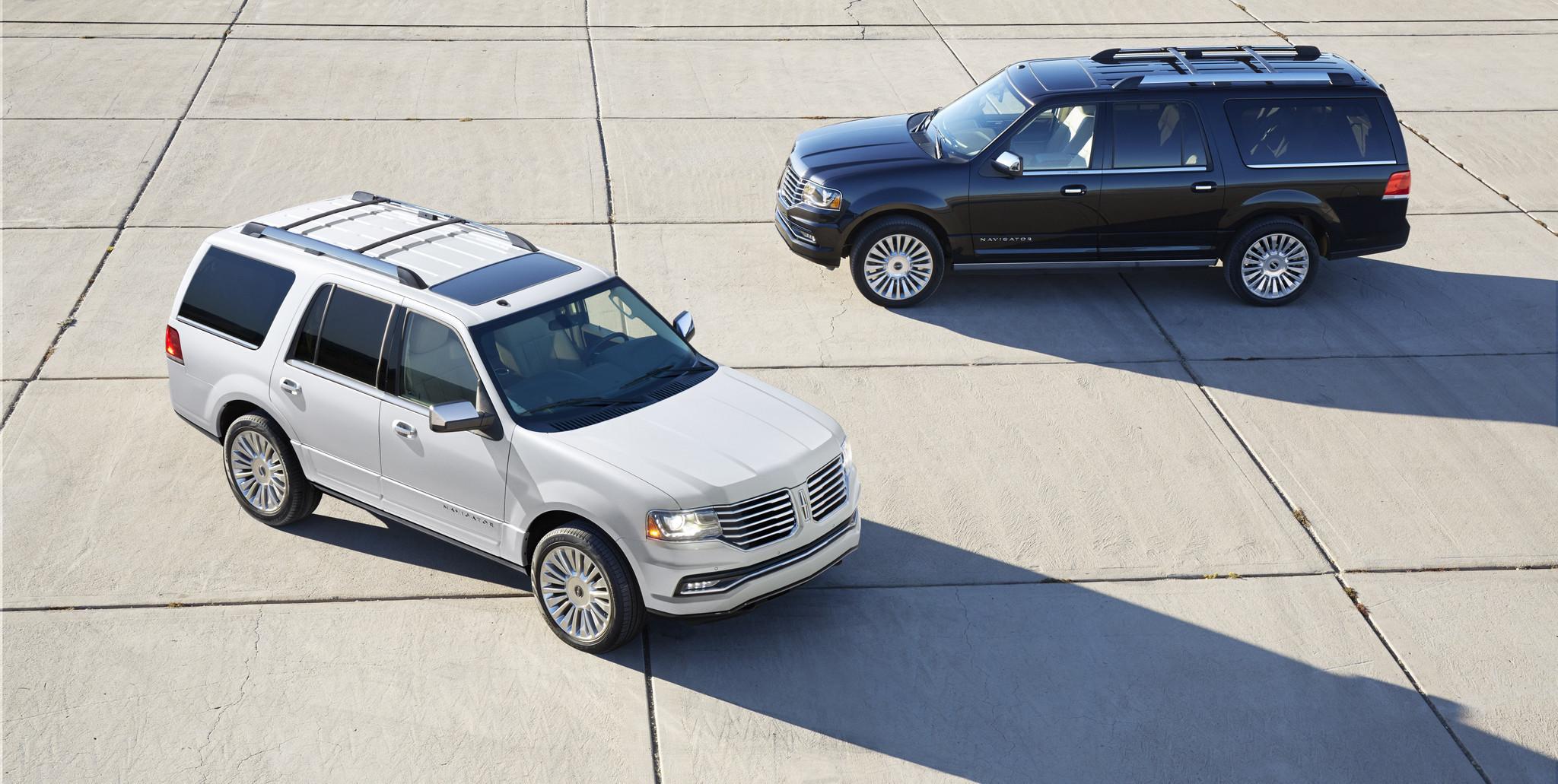 2015 Lincoln Navigator downsizes engine but maintains fullsize