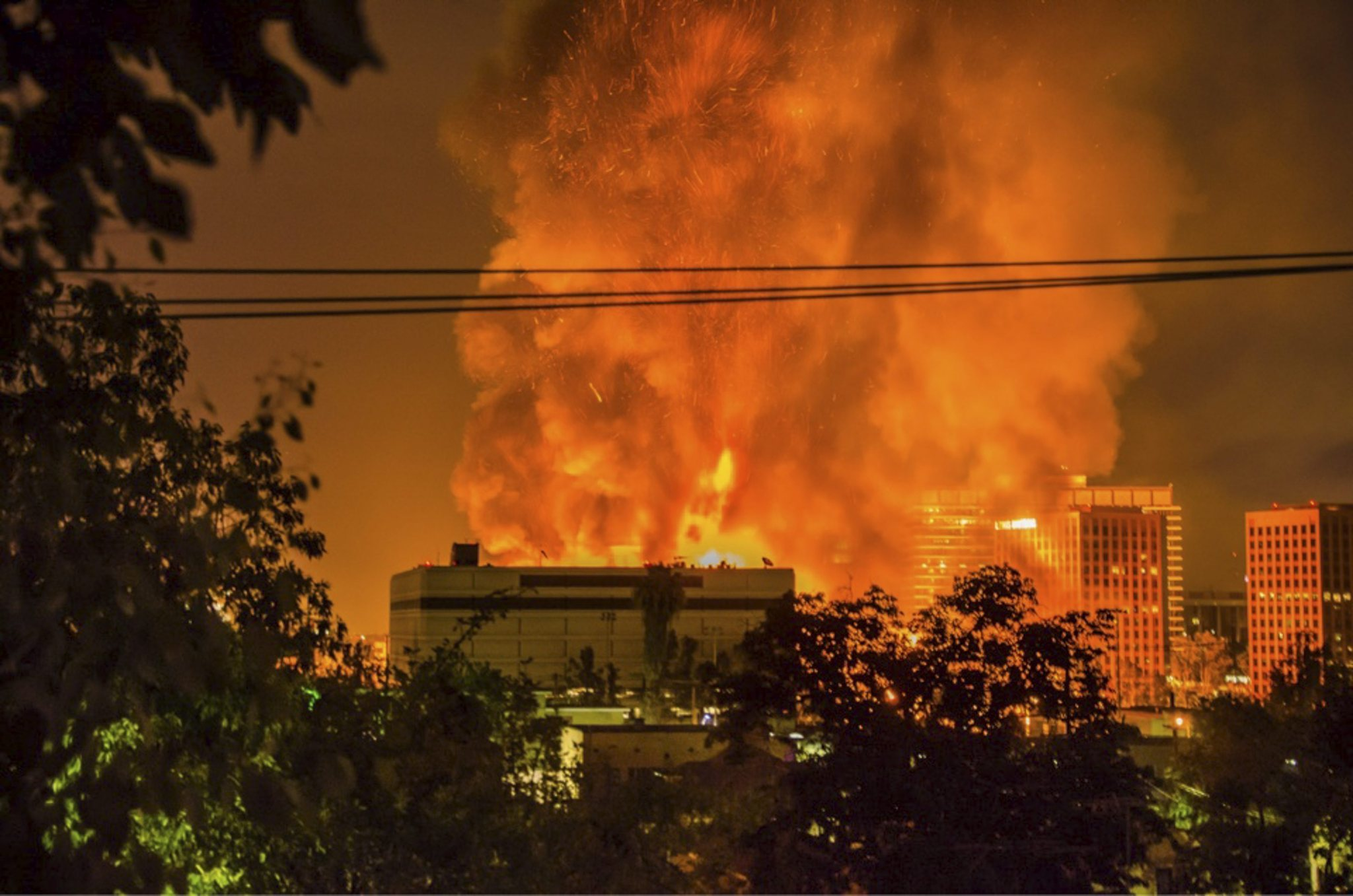 massive l a project destroyed in fire was controversial la times