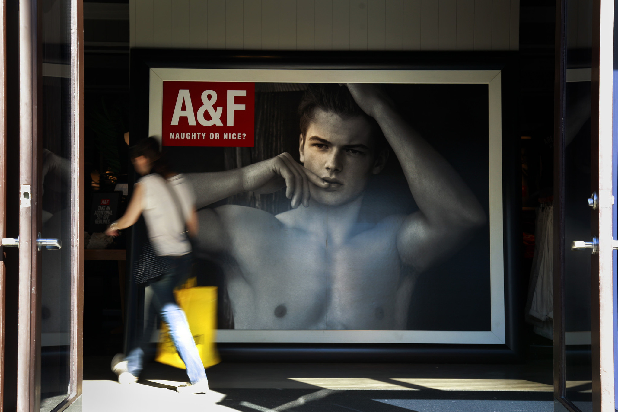 abercrombie and fitch executive summary