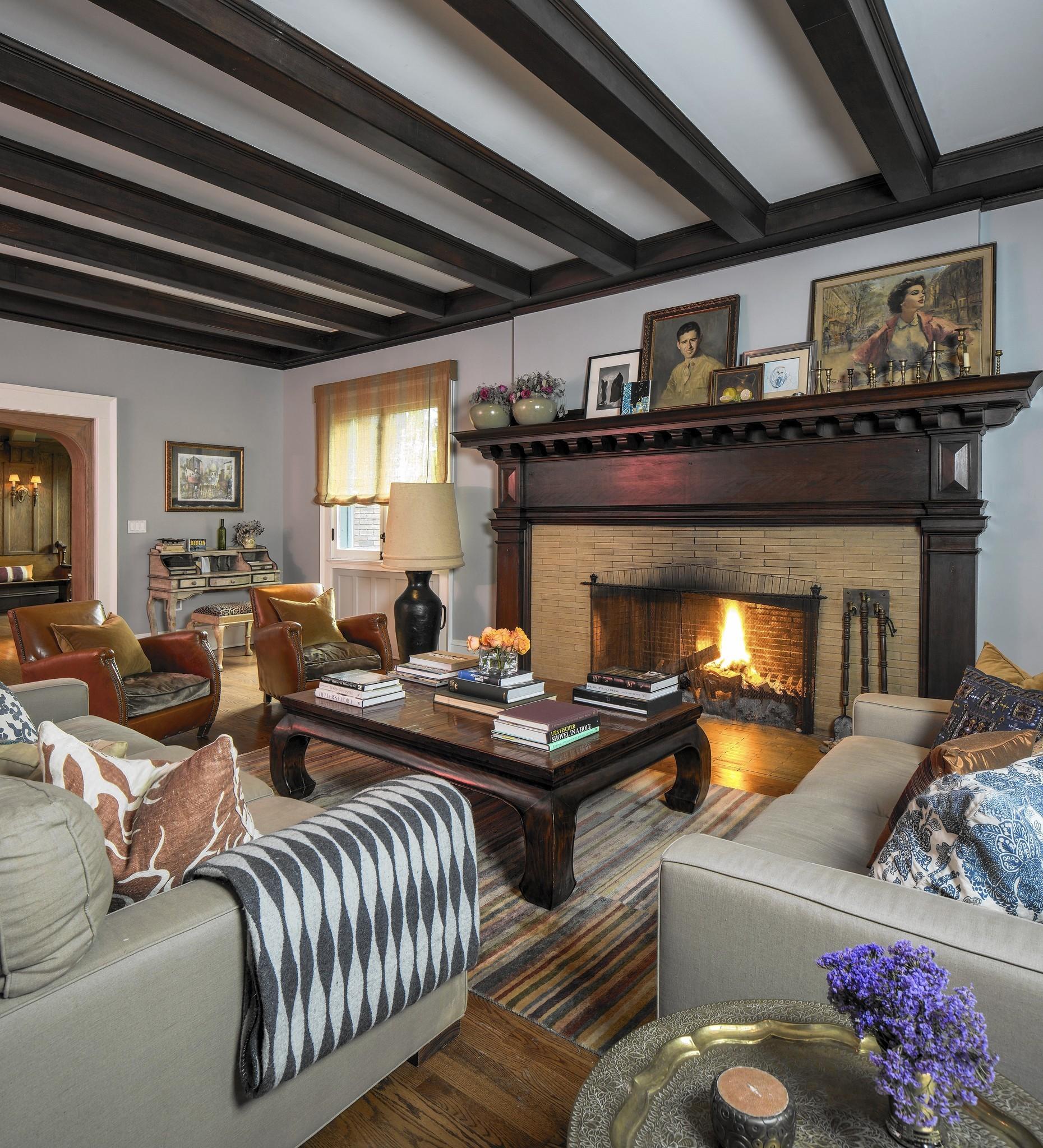 frank lloyd wright home in elmhurst listed for 1 1 million