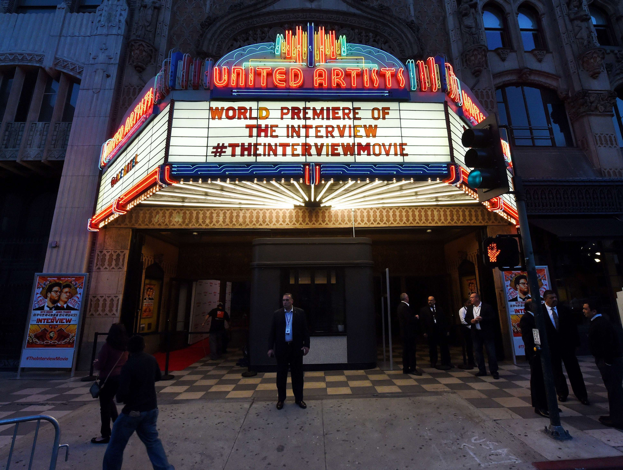 The Interview Goes Online Today More Illinois Theaters To Show It On Christmas
