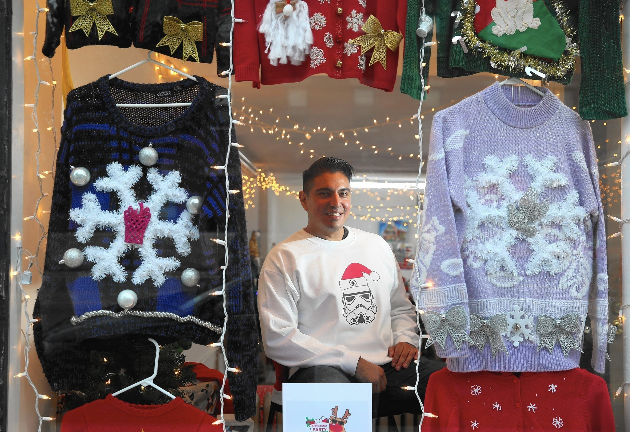 Ugly Christmas sweaters bask in mainstream appeal - Chicago Tribune