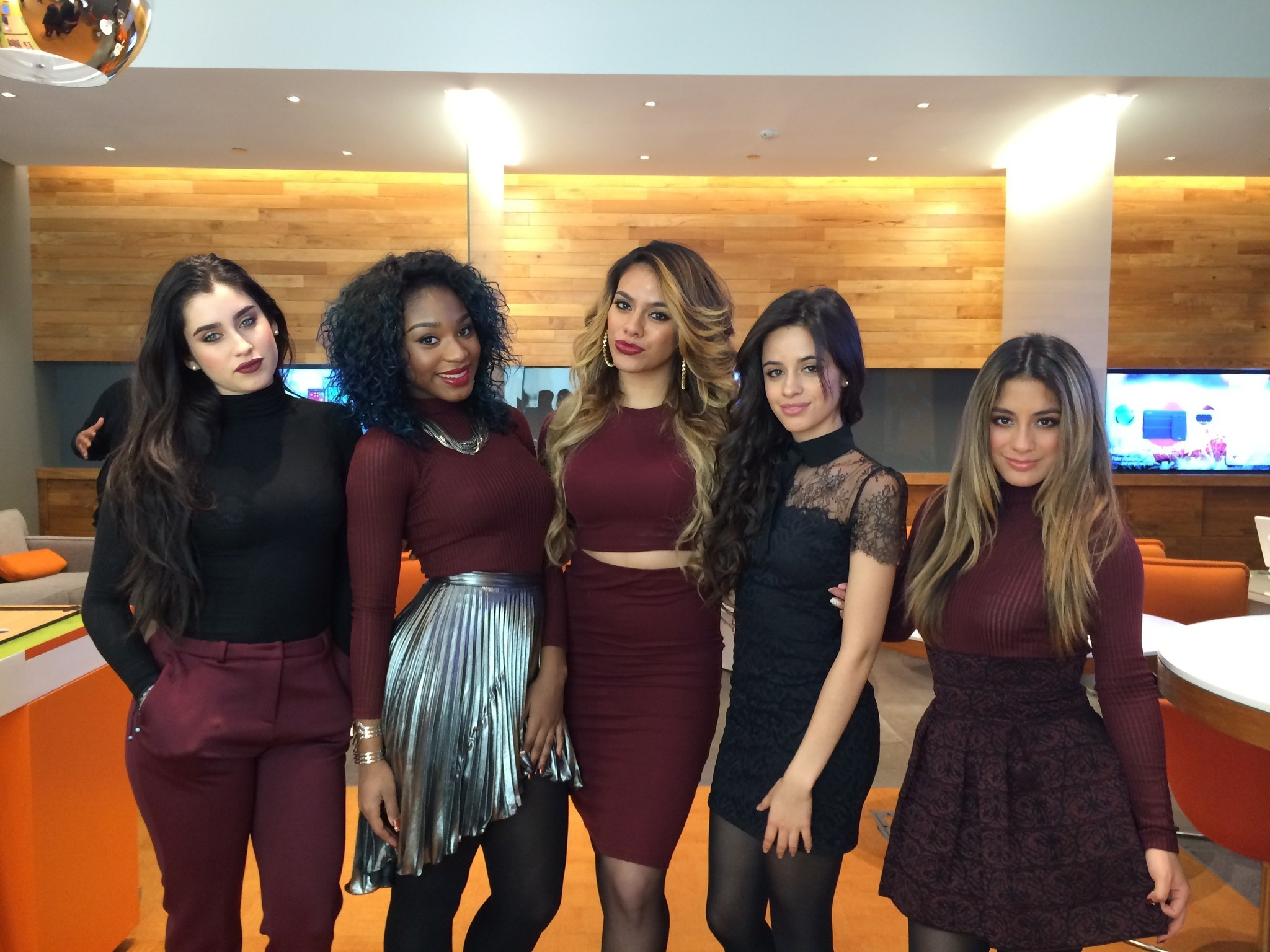 who are the members of fifth harmony dating 2015