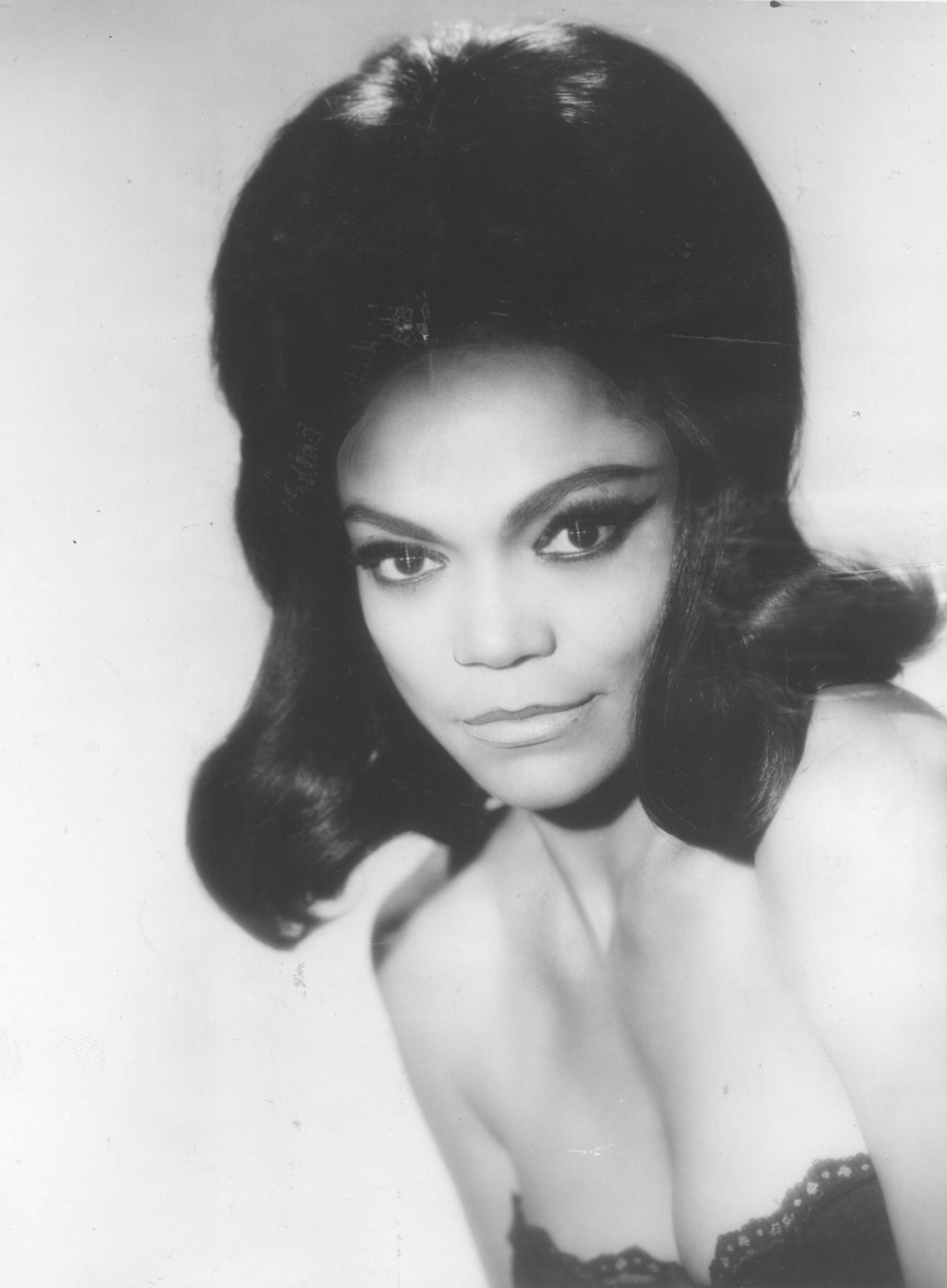 Eartha Kitt - C'est Si Bon / I Want To Be Evil
