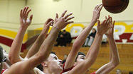 Photo Gallery: Close boys basketball game between St. Francis and Glendale in 2014 La Cañada Holiday Classic