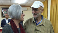 Cuba releases Alan Gross; White House announces plans to reestablish diplomatic relations with Havana