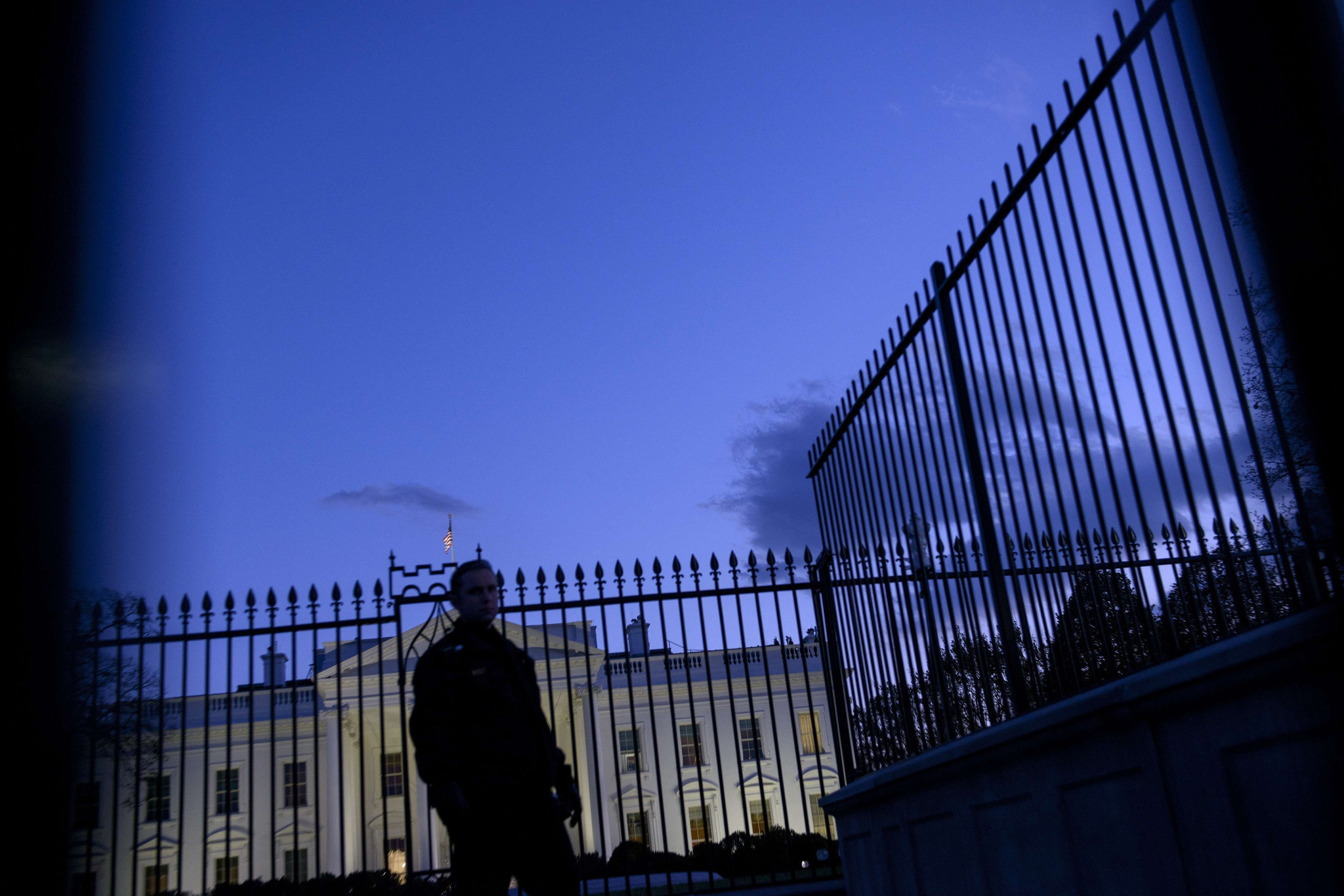 Panel calls for Secret Service reforms, including new White House fence