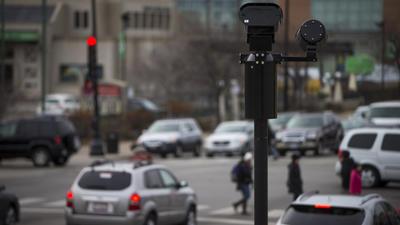 Tribune study: Chicago red light cameras provide few safety benefits