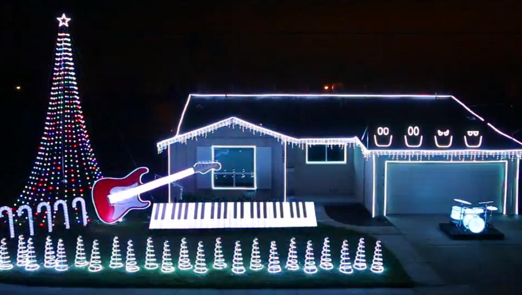U0027Star Wars,u0027 U0027Frozenu0027 Inspire Christmas Home Light Show   RedEye Chicago