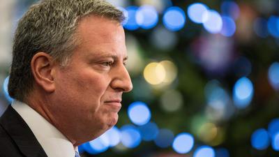 New York mayor de Blasio faces backlash following police shootings
