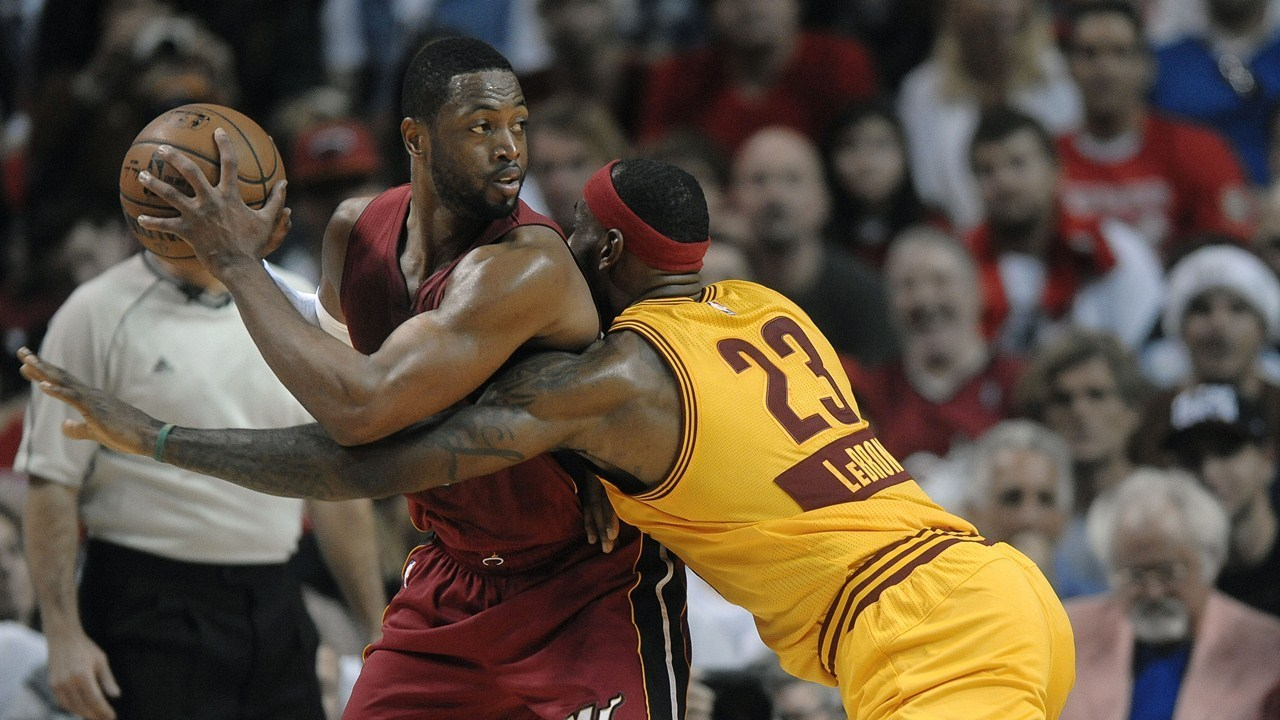 dwyane wade vs lebron james Watch the top 10 plays from this week's nba, including two outstanding plays featuring lebron james & dwyane wade of the cleveland cavaliers.