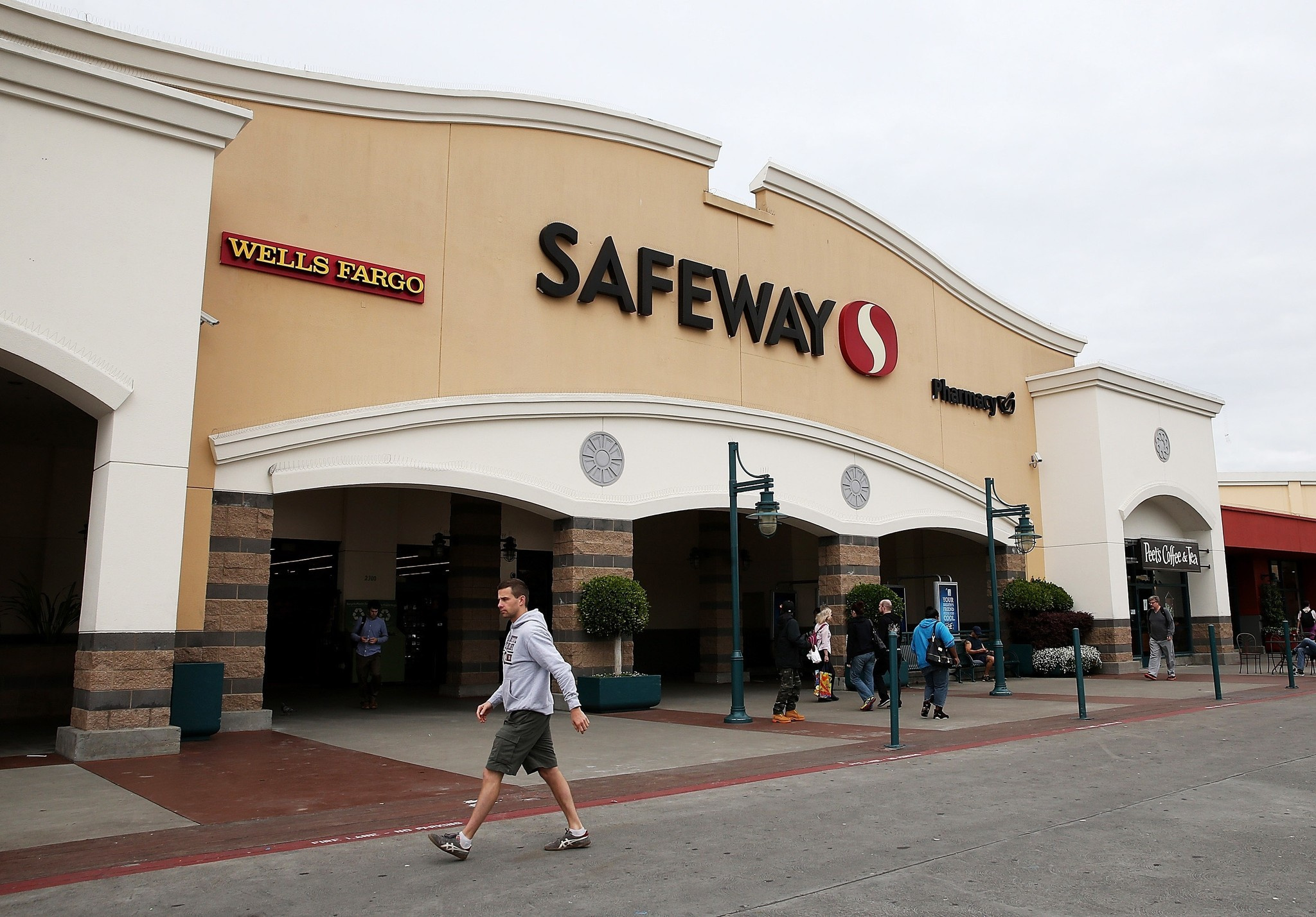 safeway supermarket Population: 200 poorly paid employees, 20 young wannabes with nothing to but  hang out at a supermarket on a saturday night, 10 angry old people with stupid.