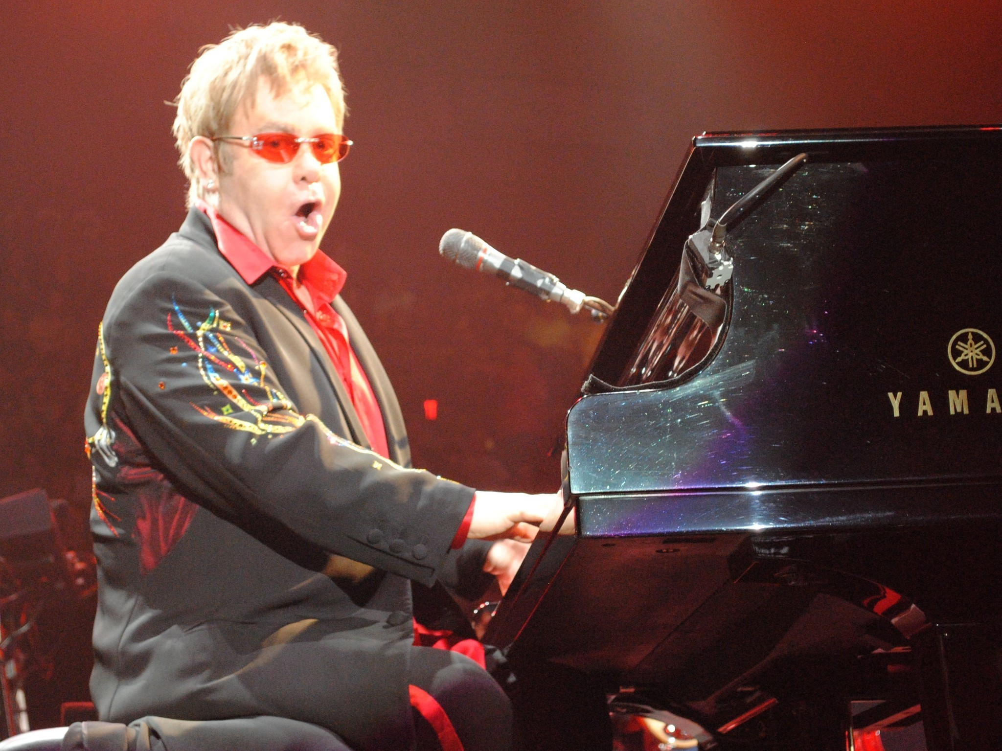 Elton John At Santander Arena Reading Fifth Harmony Billy