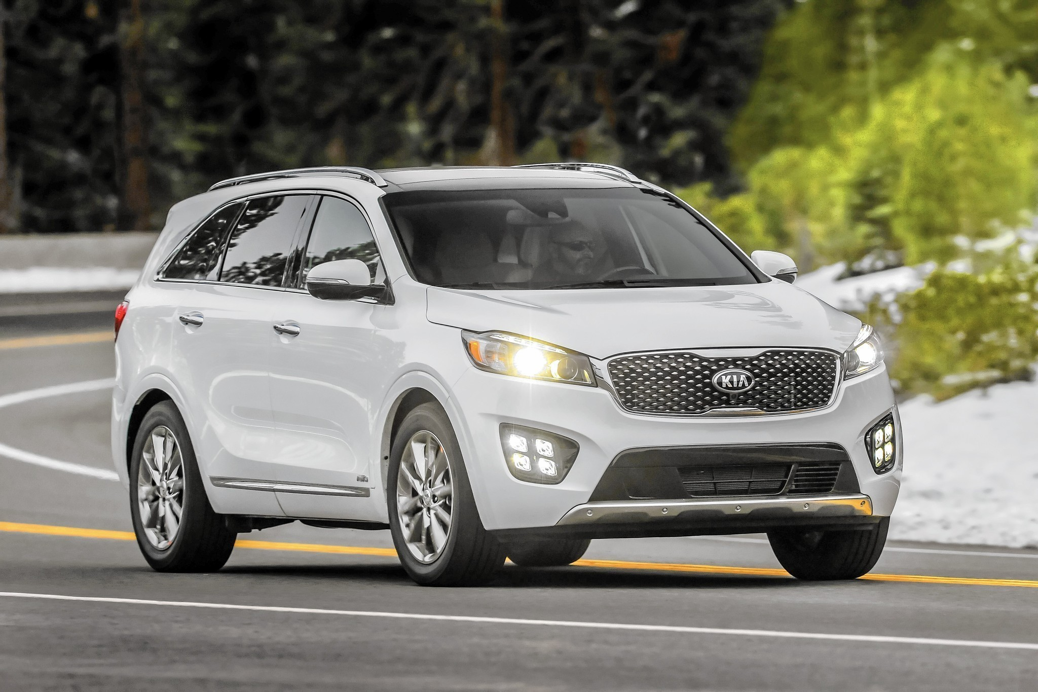 2016 kia sorento crossover keeps getting better chicago tribune. Black Bedroom Furniture Sets. Home Design Ideas