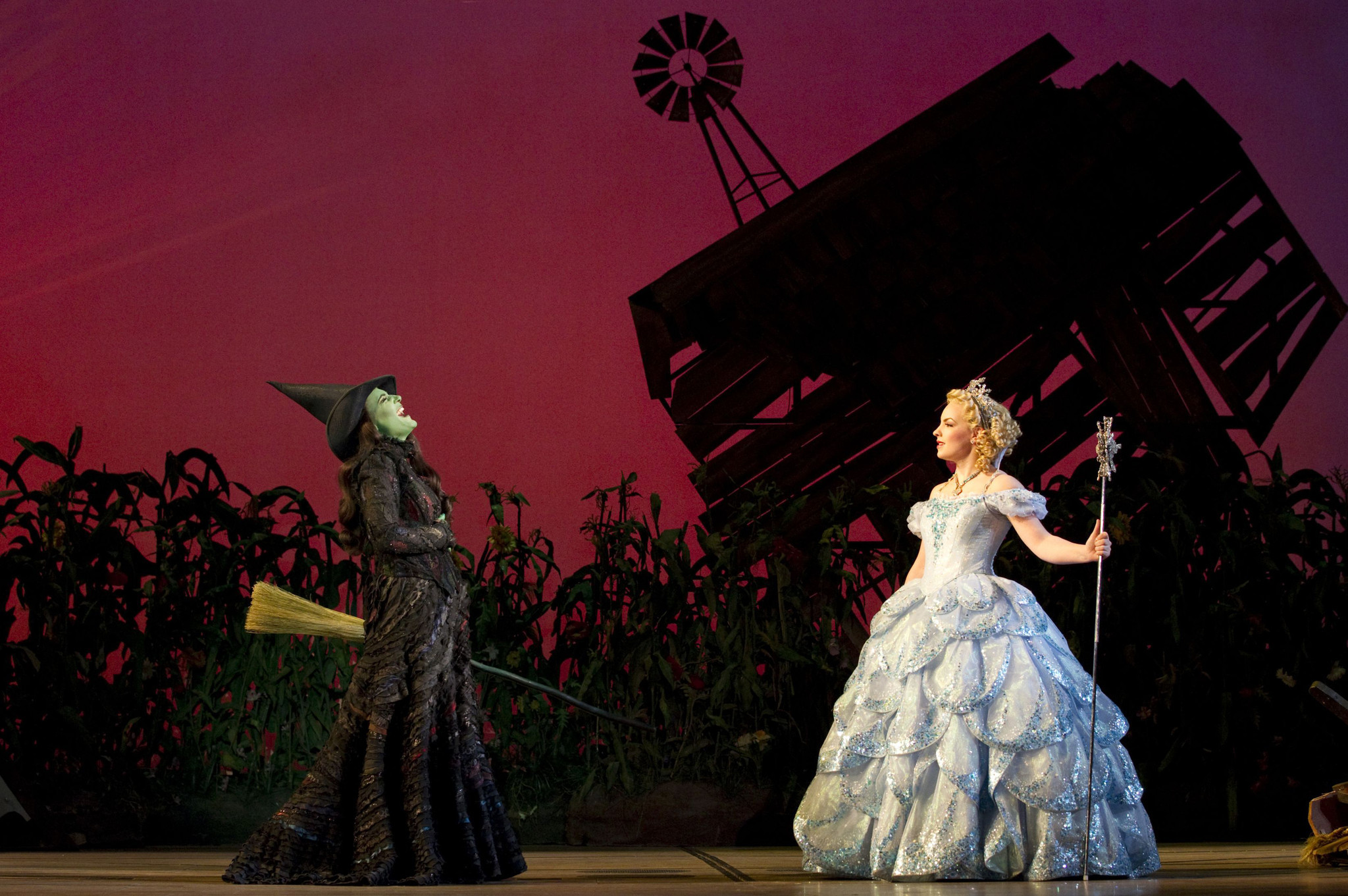 Behind the curtain wizard of oz - Stephen Daldry Directed Wicked Film Could Land In 2016 Producer Says