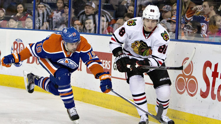 Derek Roy Had A Goal And Two Assists To Lift The Edmonton Oilers To A 5-2 Victory Over The Blackhawks On Friday Night