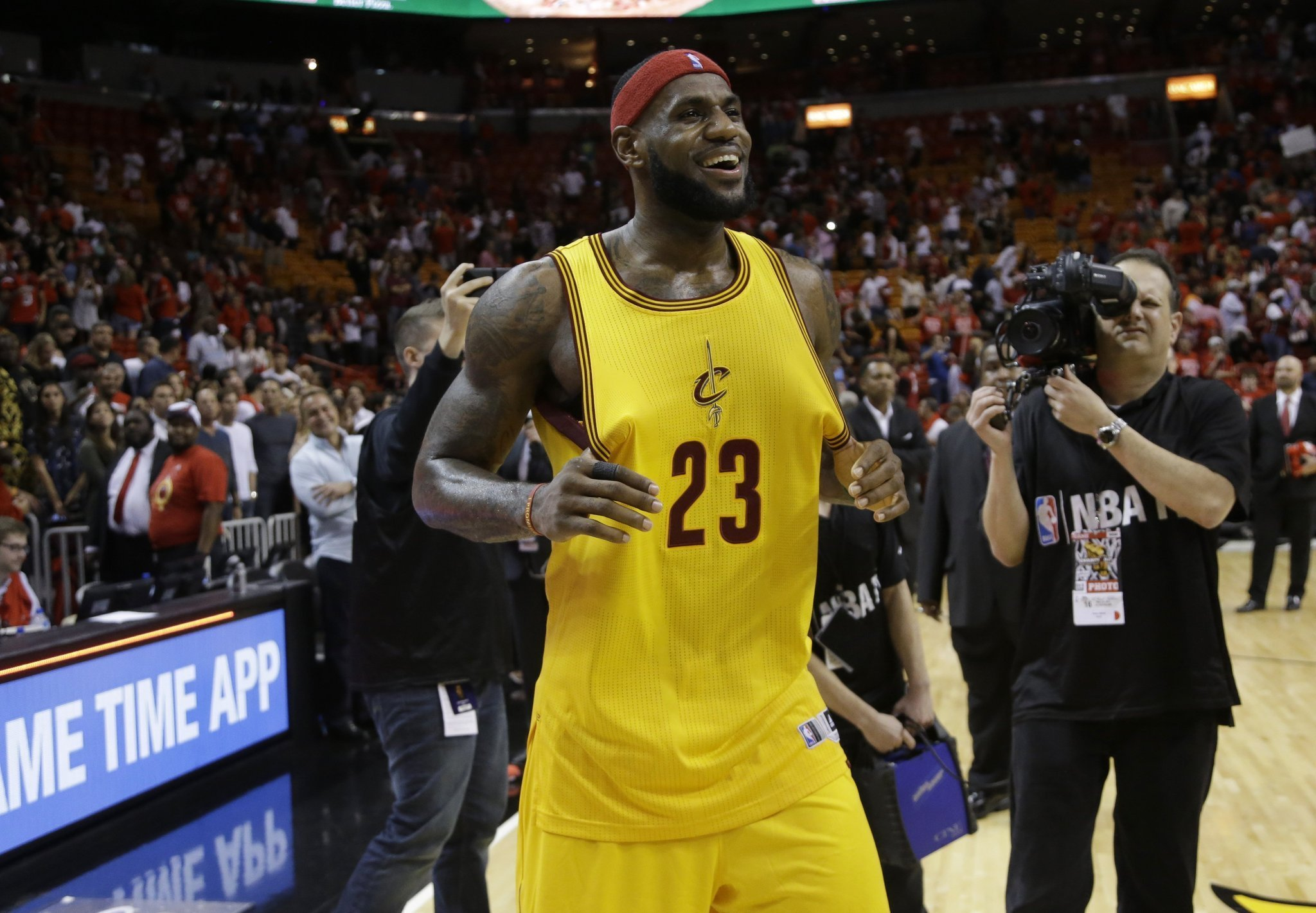 LeBron James has the NBA\'s top-selling jersey yet again - LA Times