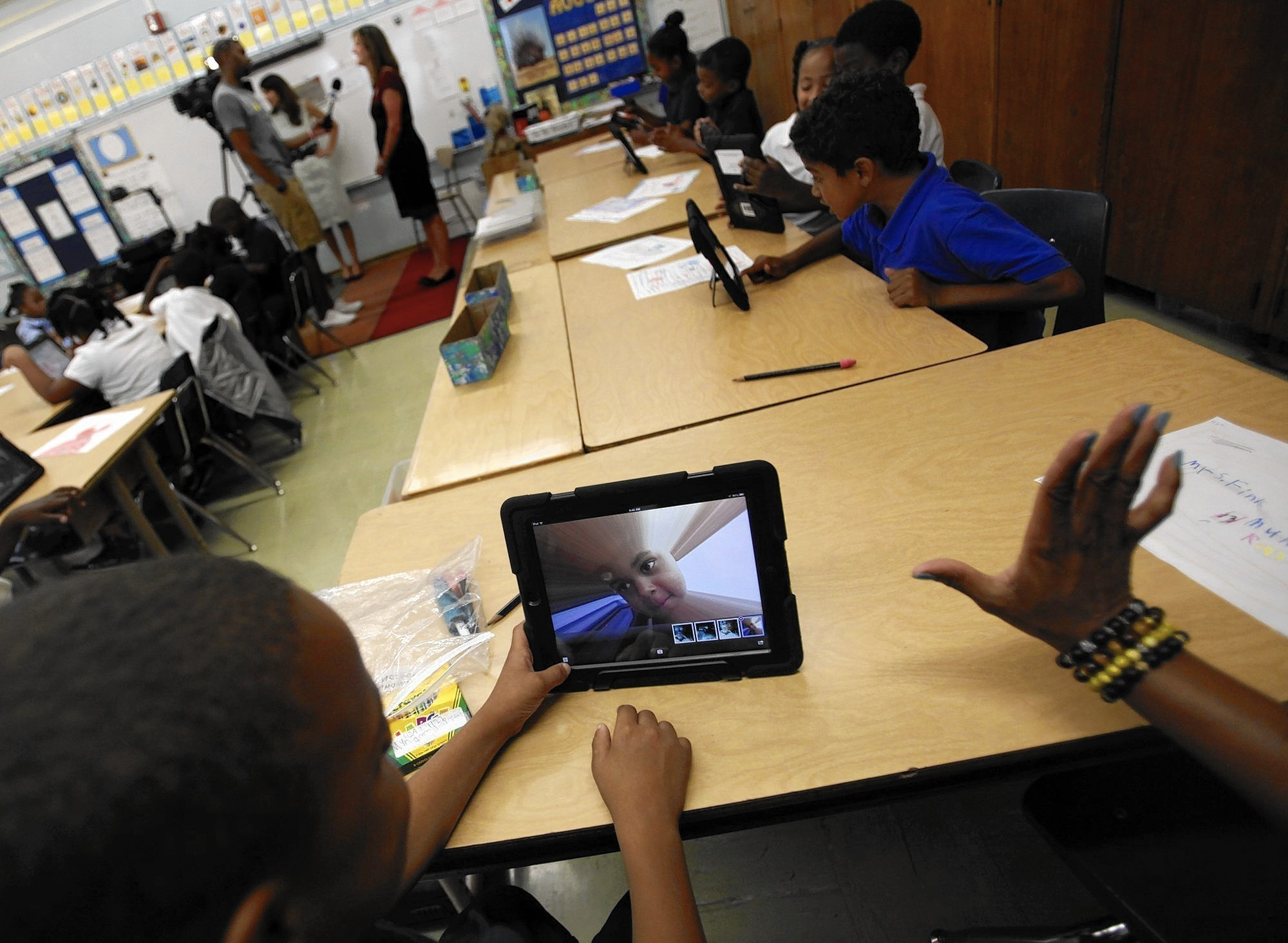 Ipads In Elementary Schools L.A. Unified&#3...