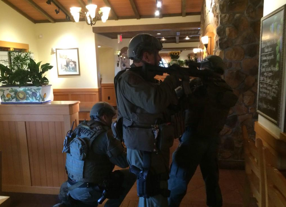 Olive Garden Employees Held At Gunpoint During Robbery
