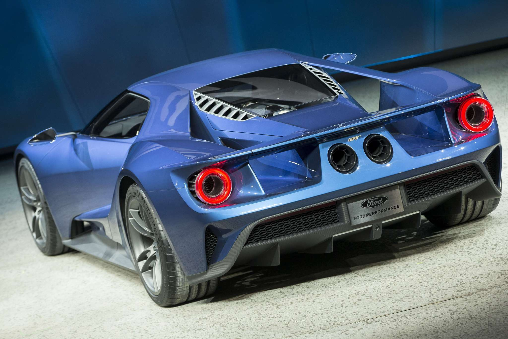 Ford brings GT supercar to 2015 Chicago Auto Show