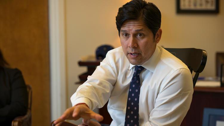 Senate President Pro Tem Kevin de Len (D-Los Angeles)