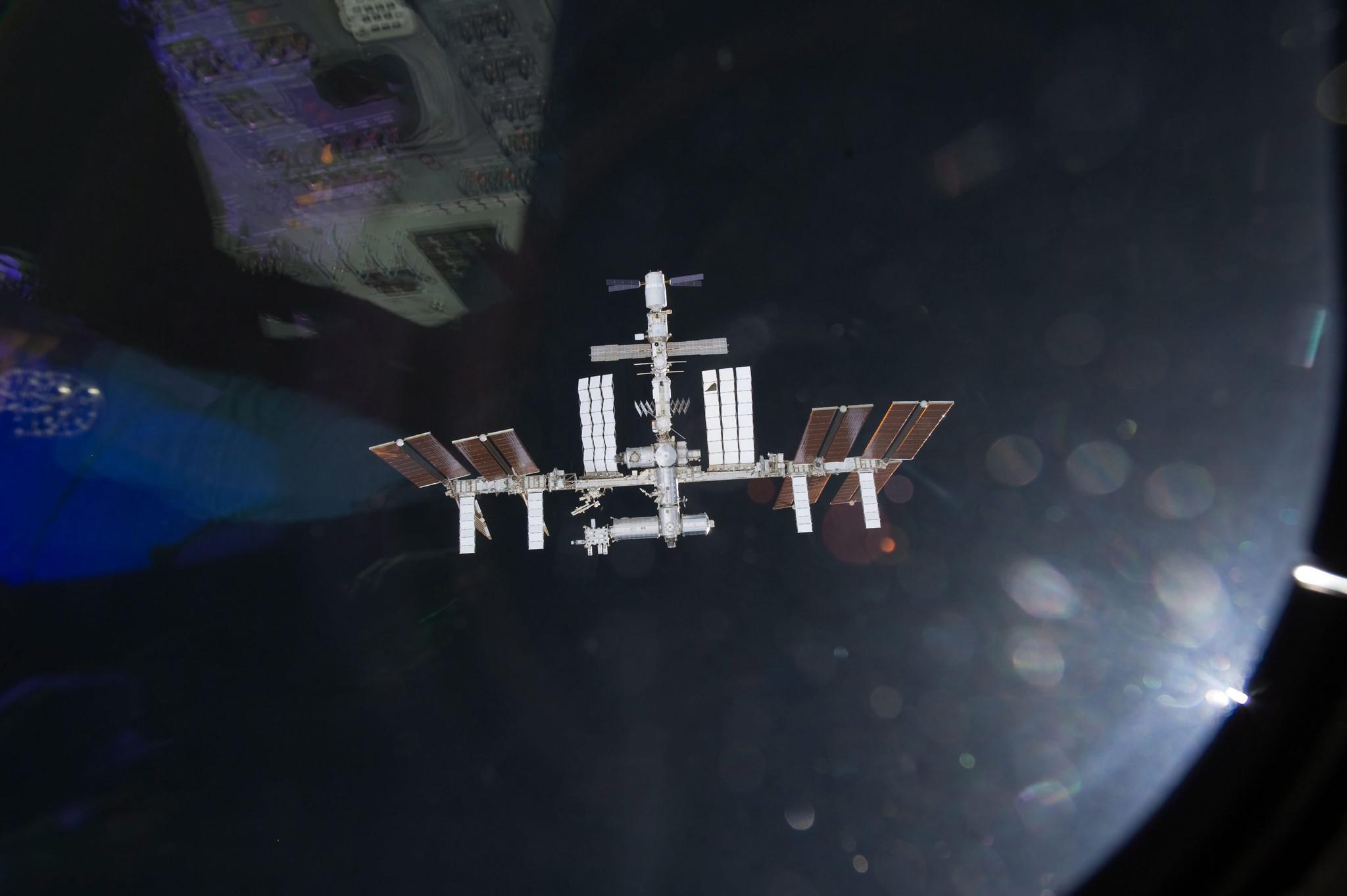 Crew evacuates U.S. segment of space station after ammonia leak