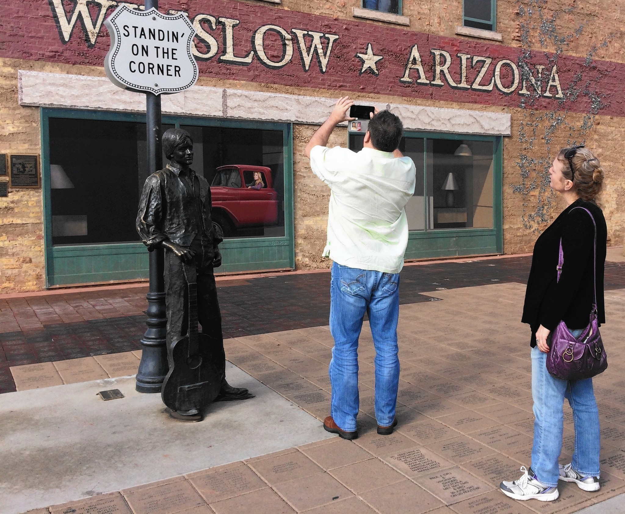 It s the corner and statue that made winslow arizona famous la times