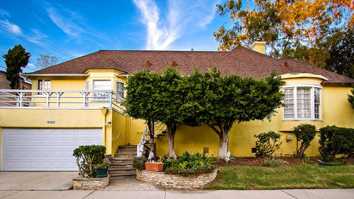The longtime home of the late writer Ray Bradbury has come on the market in Cheviot Hills at $1.495 million.