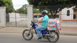 Venezuelan gasoline and goods still sold in Colombia despite crackdown