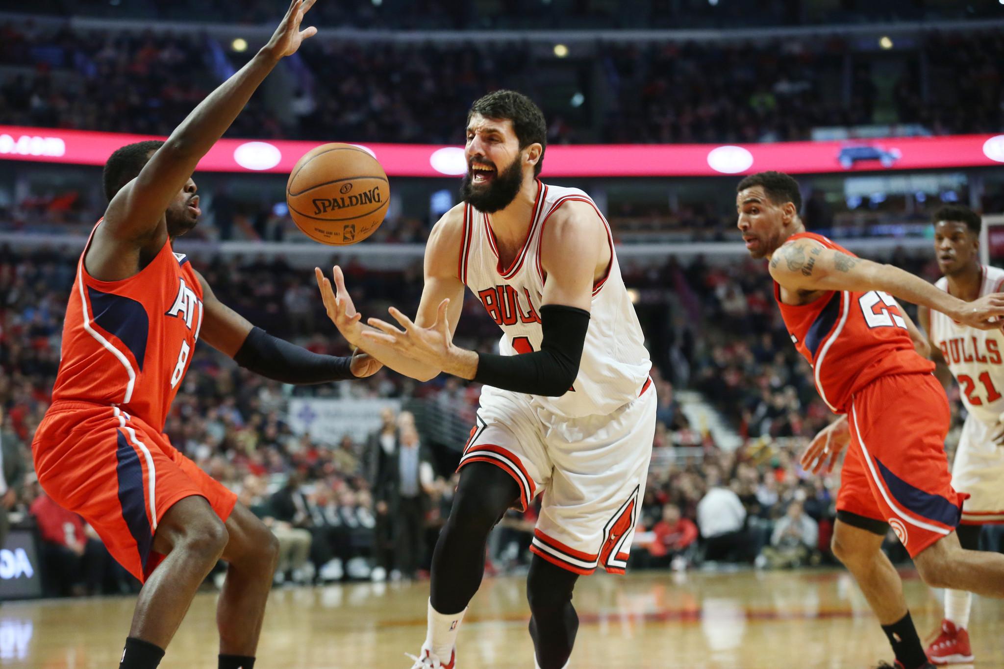 Hawks win 107-99, show Bulls how its done