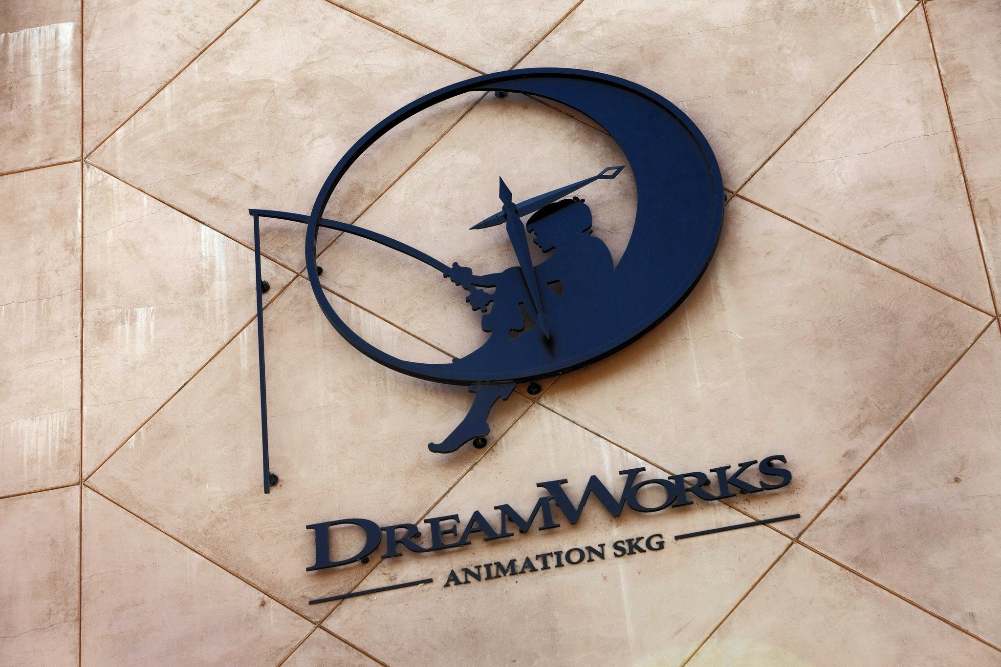 DreamWorks Animation's box-office flops may result in 400 job cuts - LA Times