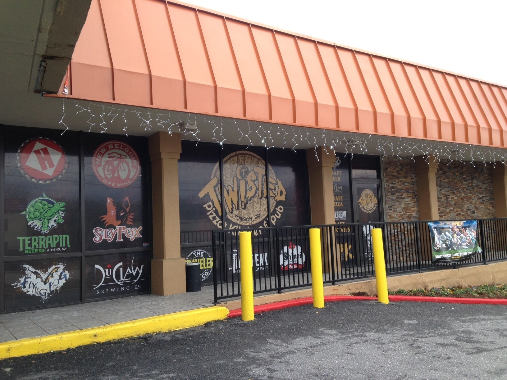 twisted pizza kitchen and pub has character and a comfortable