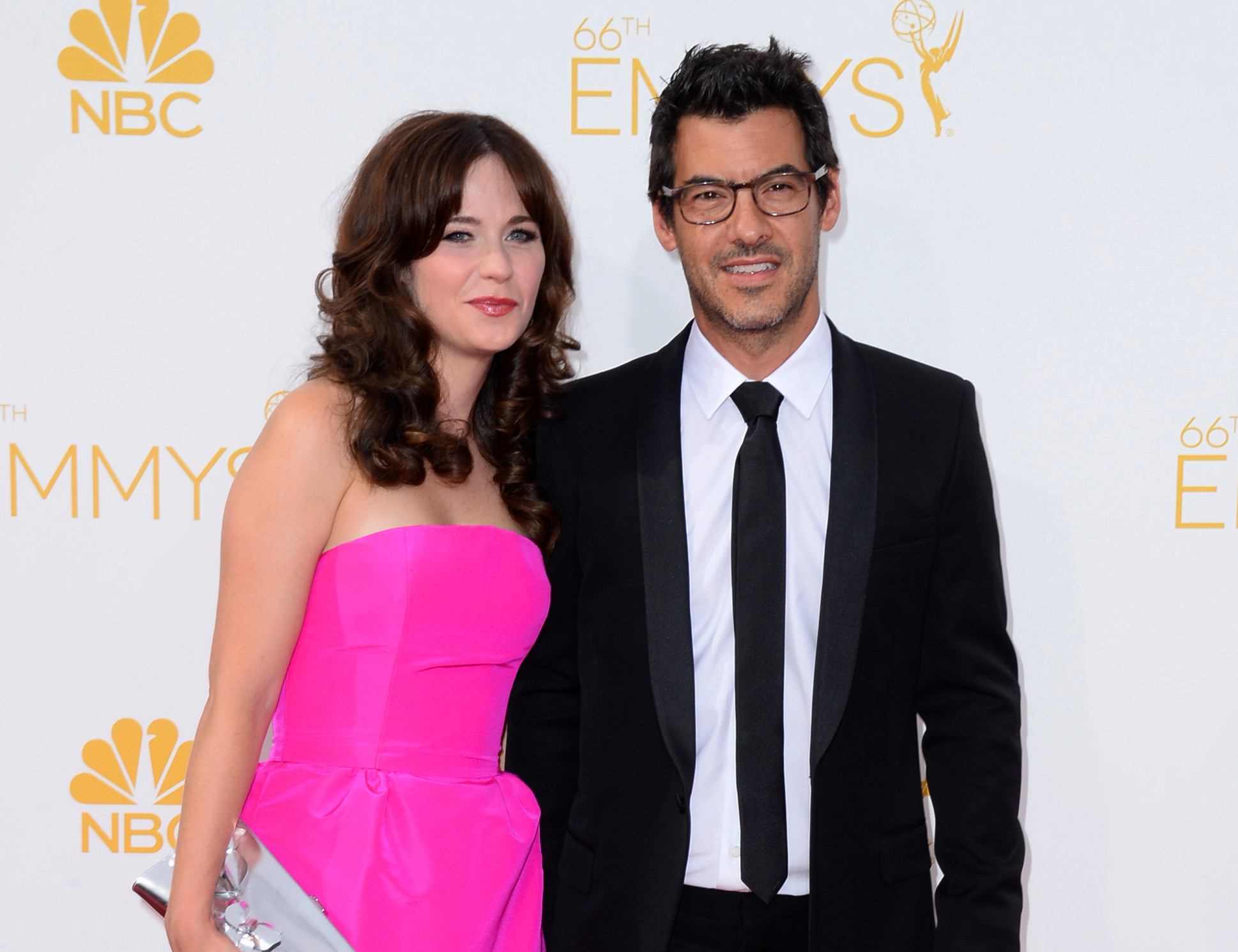 Pregnant Zooey Deschanel engaged to producer Jacob ...