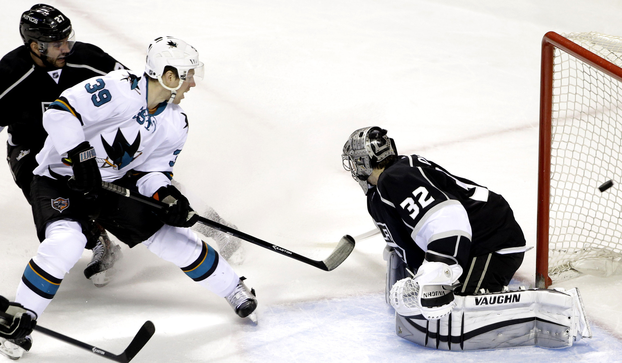 Kings Suffer Power Shortage In 4-2 Loss At San Jose