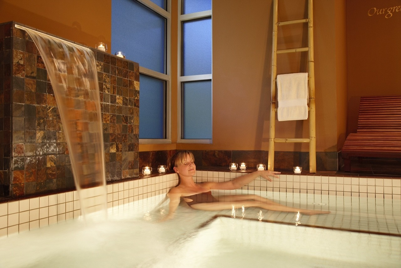 Wisconsin go ice fishing before the spa on this for Best spas for girlfriend getaway