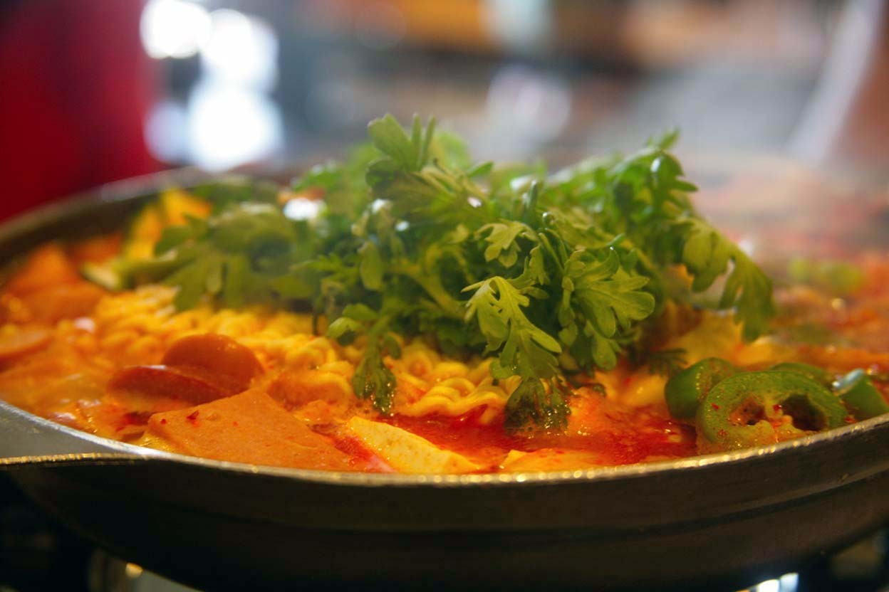 Gonjiam in Koreatown serves Army stew, cow head soup, hot pots - LA Times