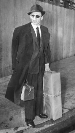 Frank Sinatra at L.A. airport in 1953