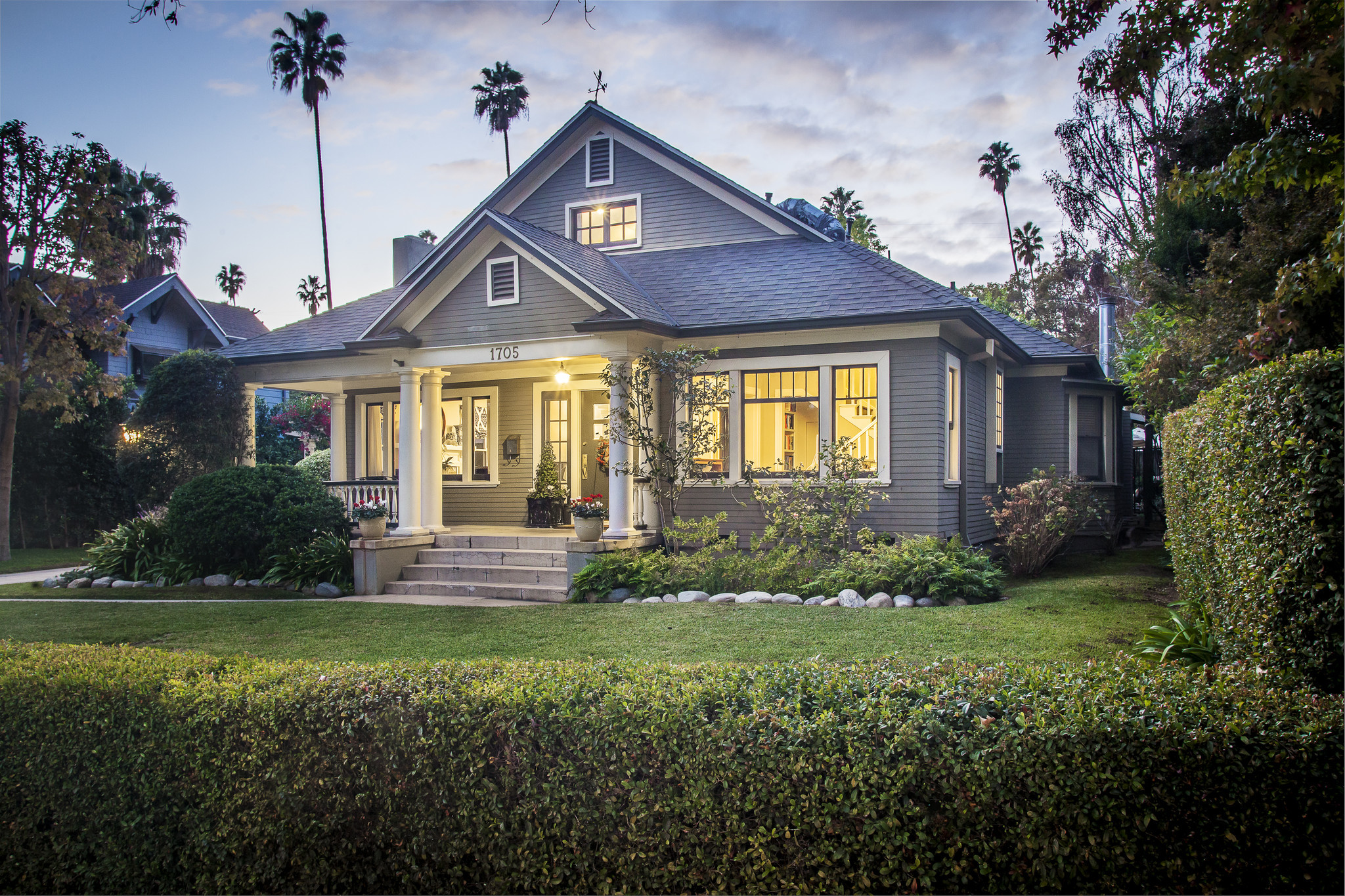Home of the day south pasadena craftsman with batchelder for Pasadena craftsman homes