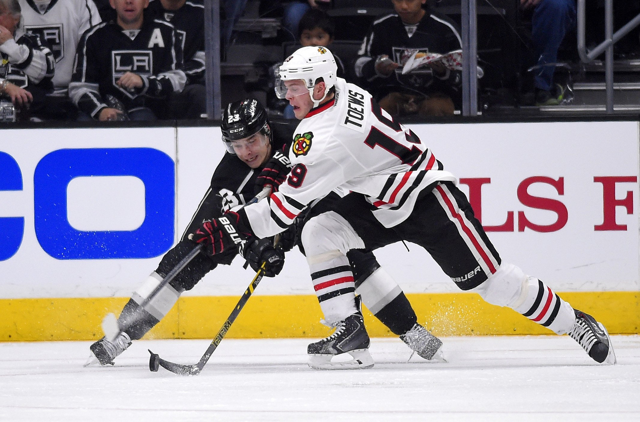 Kings Come Up Big At End Against Chicago Blackhawks