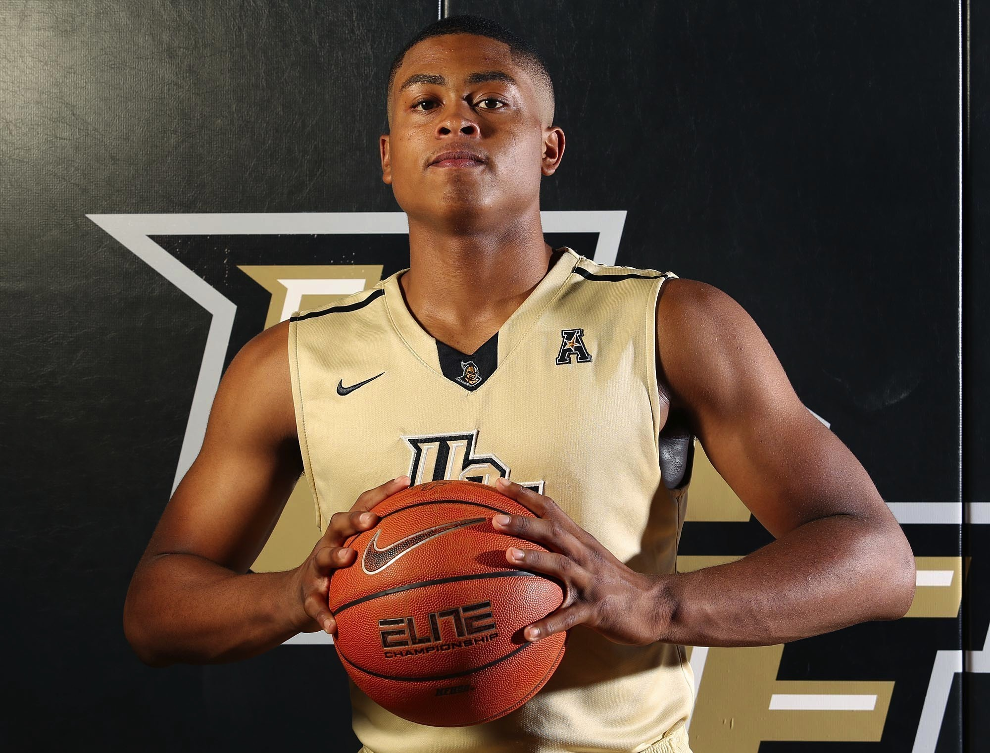 UCF basketball will sit guard B.J. Taylor against SMU ...