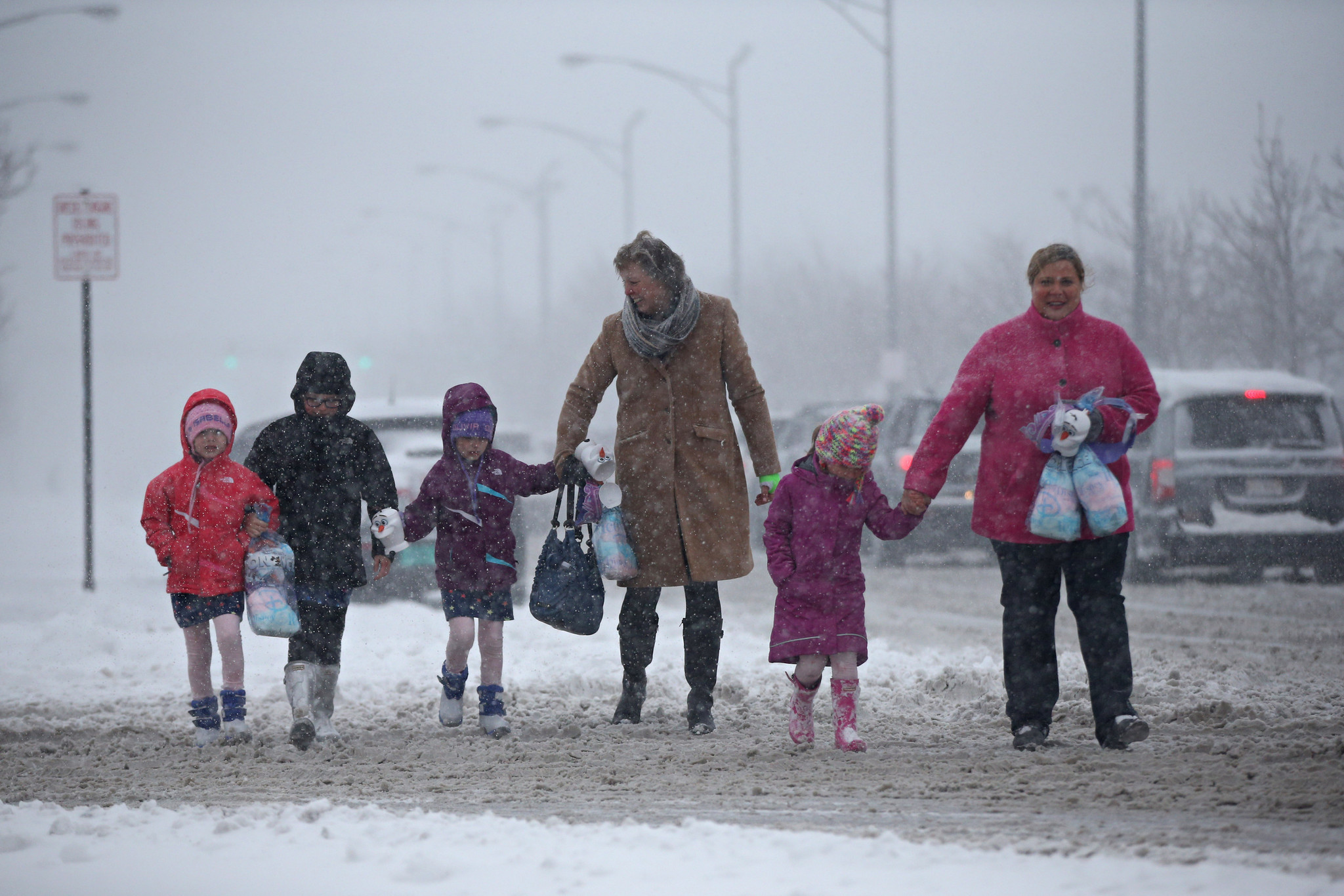 Massive storm continues into the night, threatens morning commute