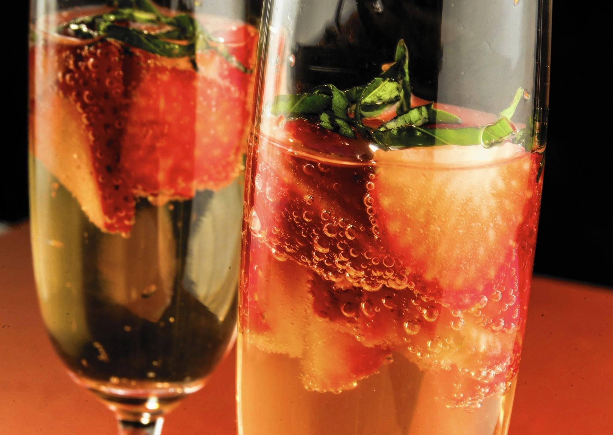 a champagne cocktail to tickle your valentine chicago tribune - Valentine Drink