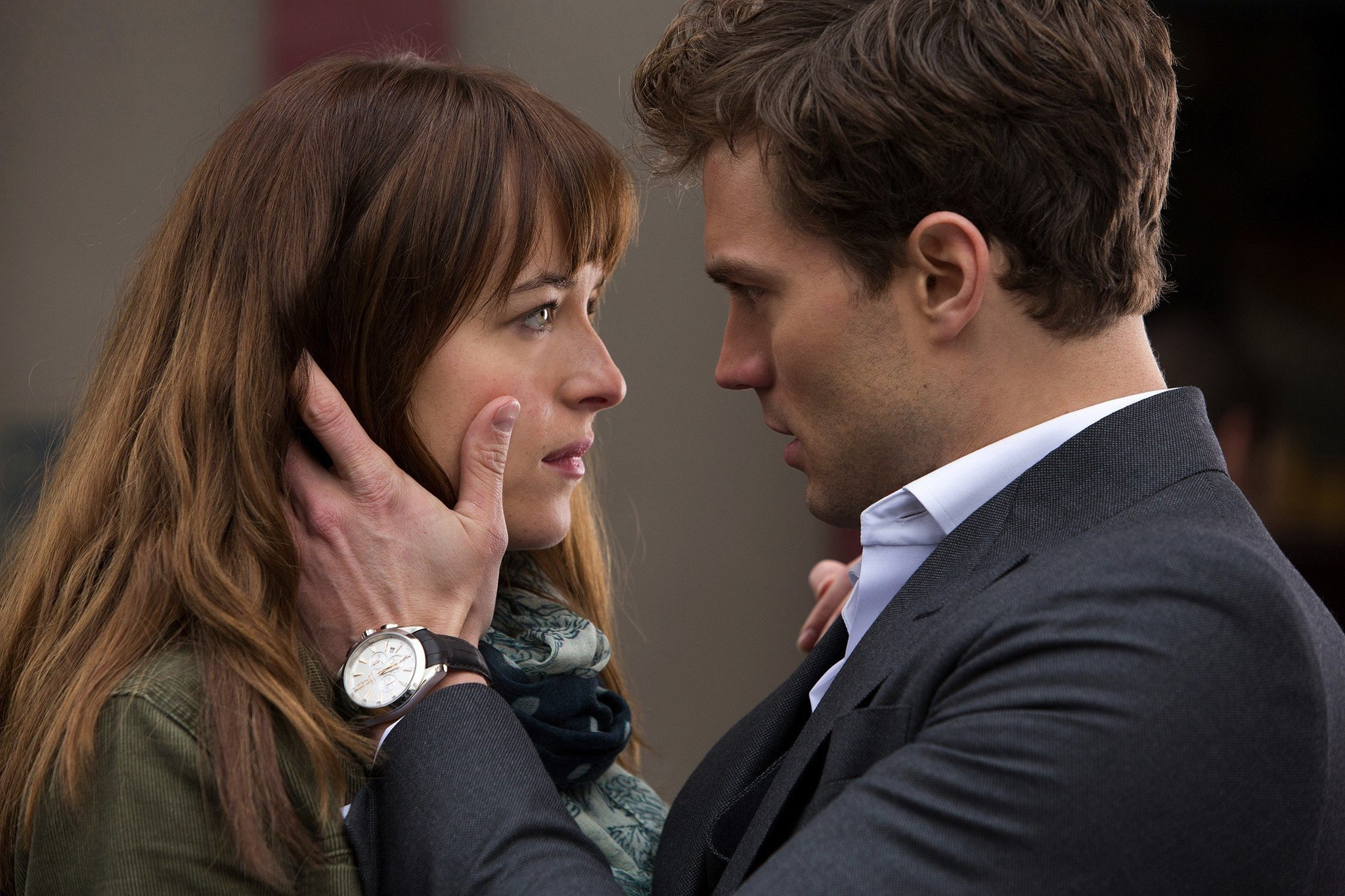 39 fifty shades of grey 39 leading ticket sales on fandango for Fifty shades od gray