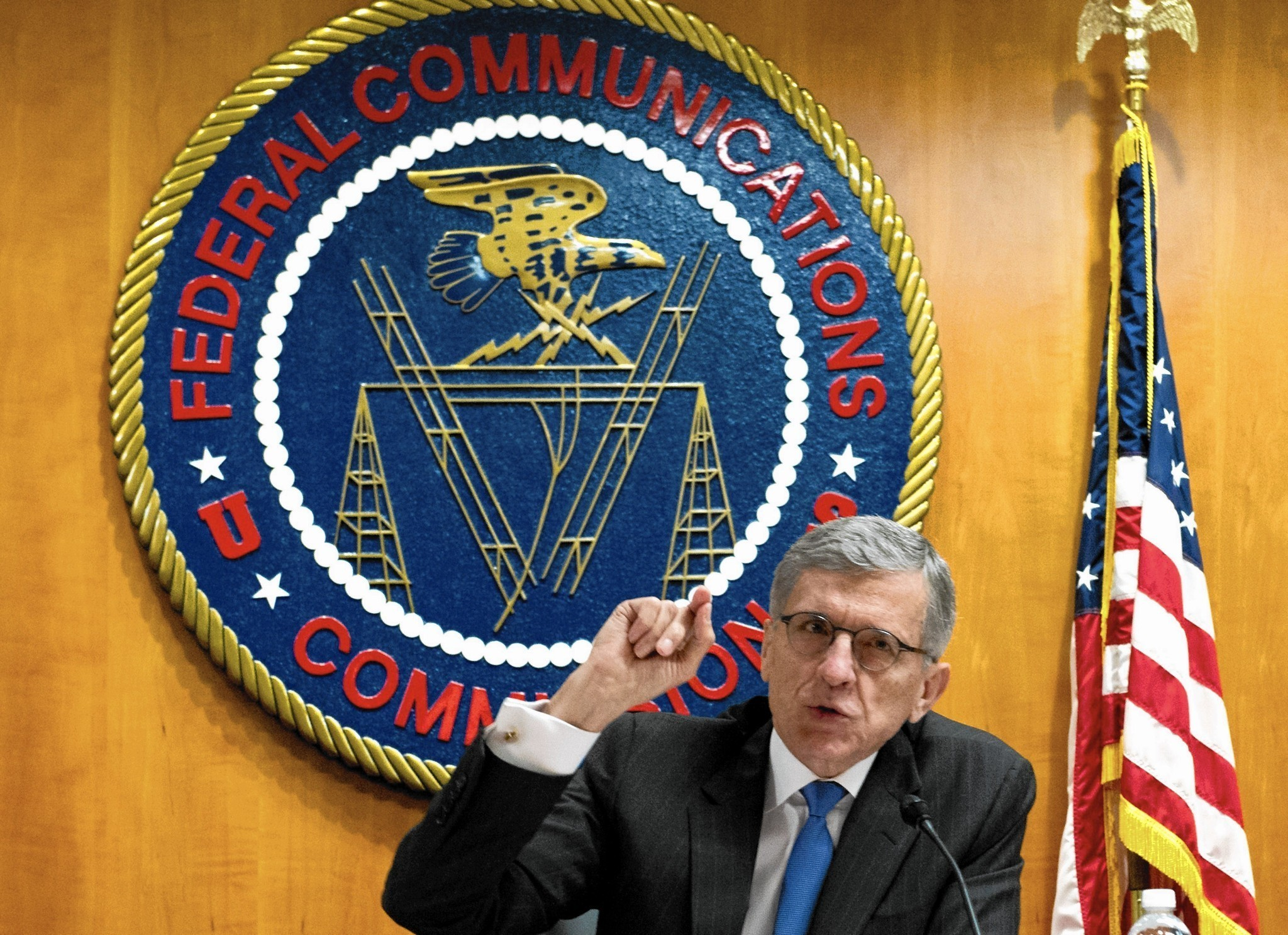 fcc chief seeks to treat web as public utility in net neutrality fcc chief seeks to treat web as public utility in net neutrality fight la times