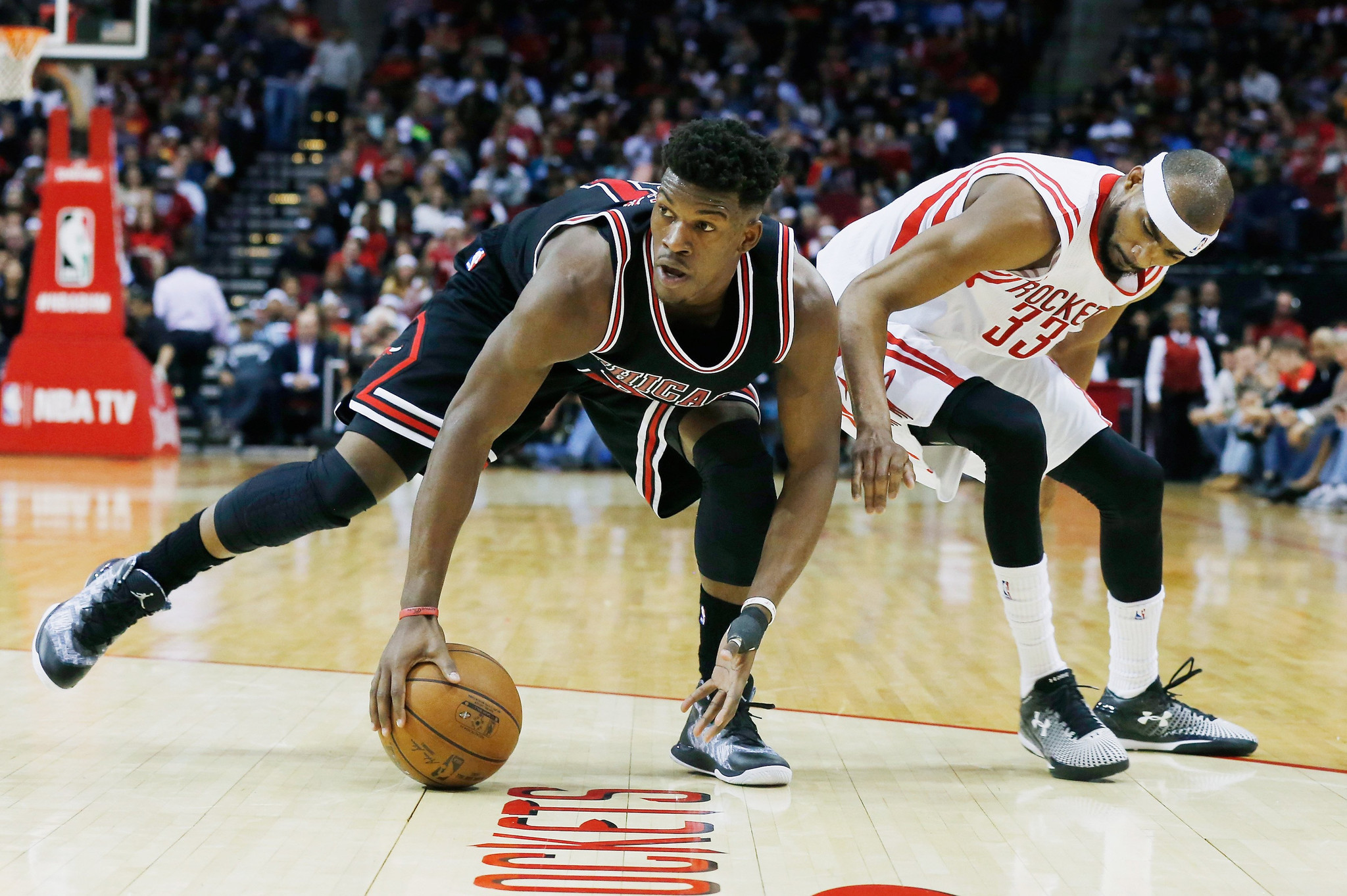 Jimmy Butler stresses he's at fault, too, for Bulls' porous defense