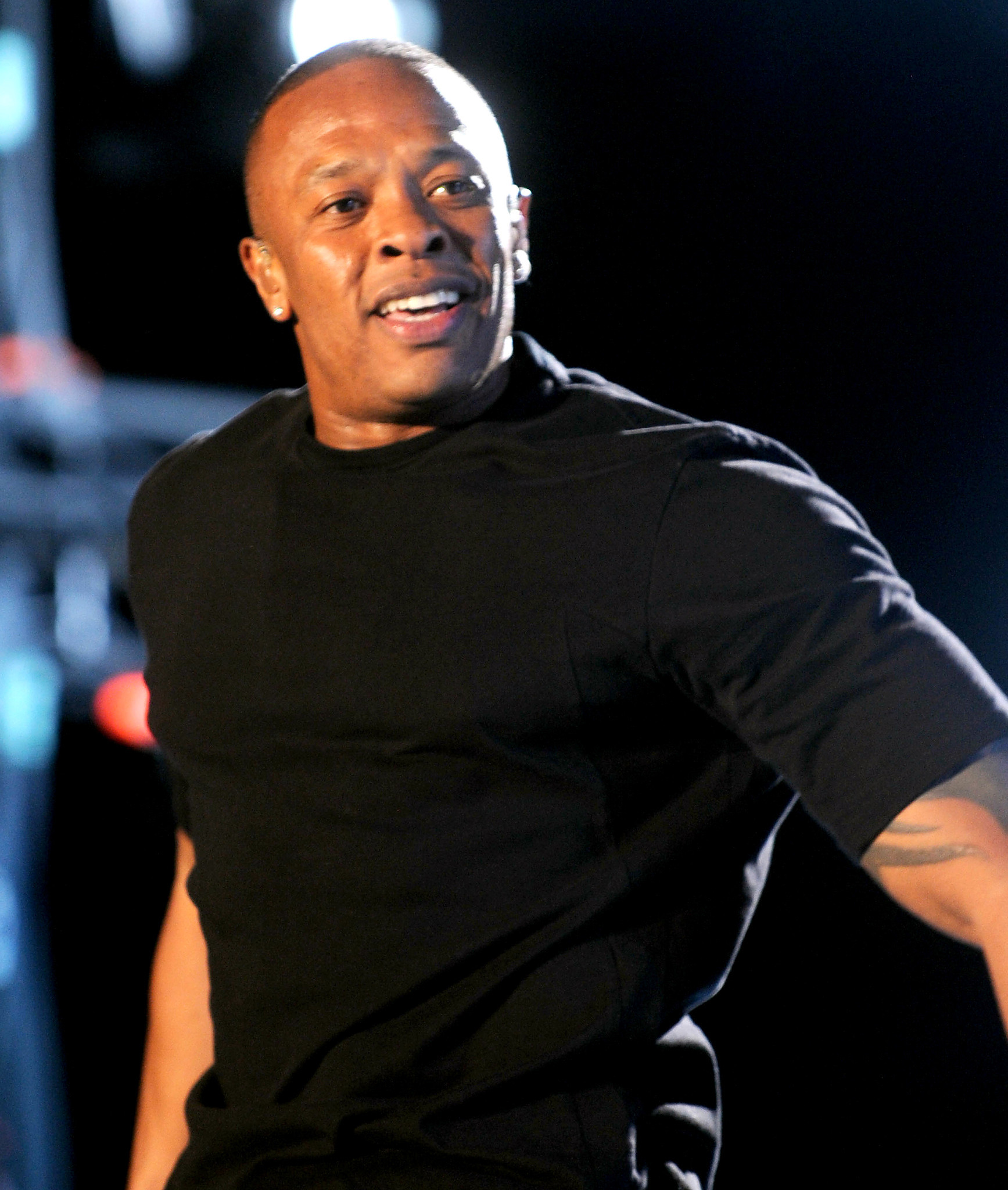 dr dre u0027s tear down with a view sells for 32 million la times