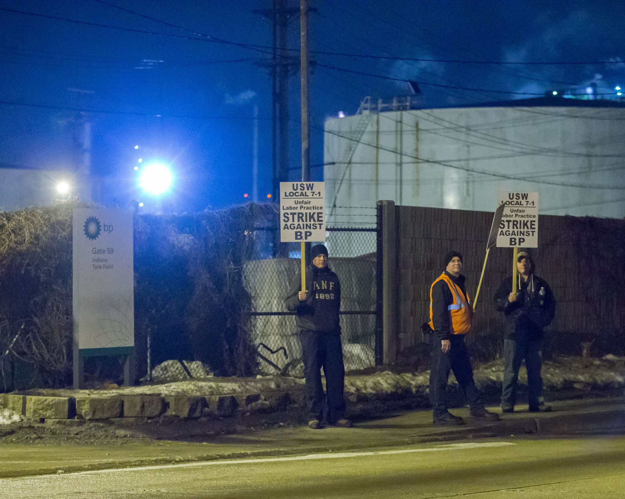 Workers at Whiting, Indiana, oil refinery join nationwide strike - ...